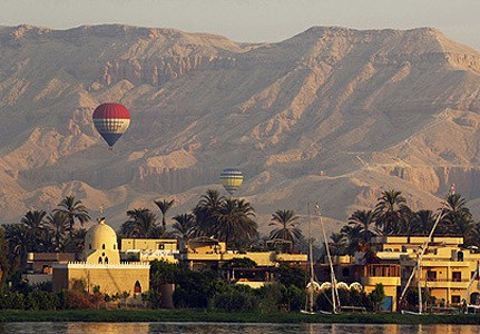 Private Tour: Hot Air Balloon Flight Over Luxor and Nile River