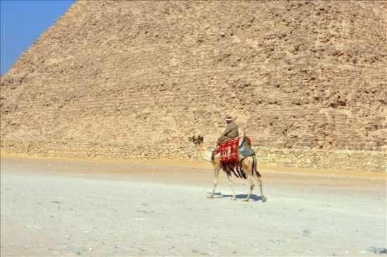 Private Excursion: Cairo, Giza Pyramids, Sphinx & the Grand Egyptian Museum from Dahab by plane
