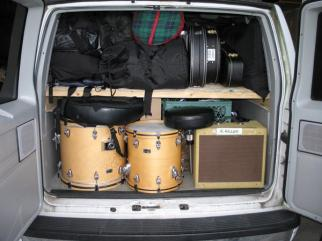 Tour-van-rock-and-roll-band