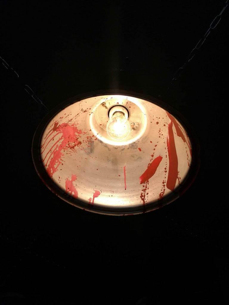 LIGHTS IN HOSTEL ESCAPE ROOM