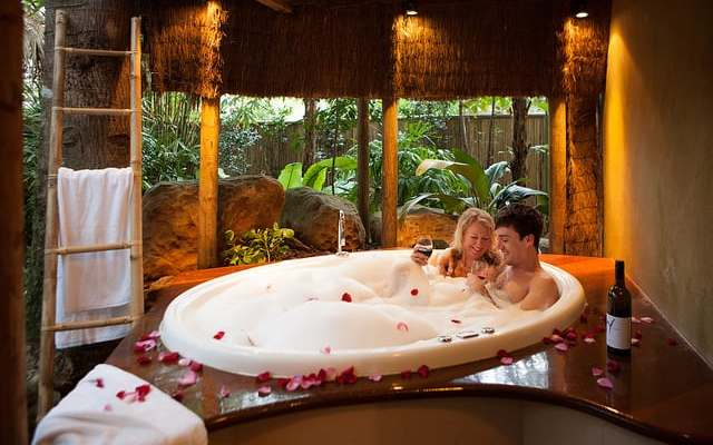 The Best Romantic Escapes near Brisbane for Nature Lovers