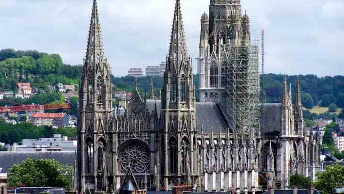 Rouen, a Picturesque Getaway in Normandy & a Perfect Day Trip from Paris!