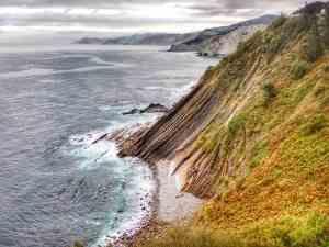 Spain Roadtrip Basque Country - cliffs near Guetaria