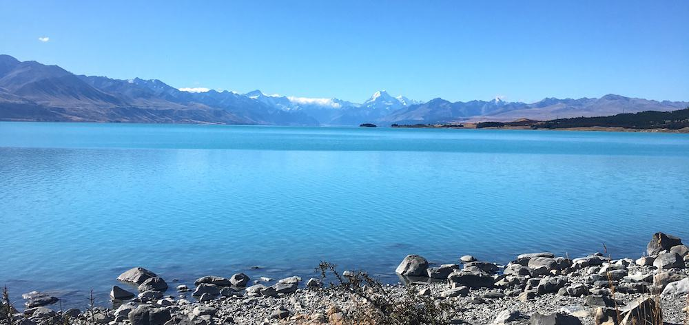 Lake Pukaki with Mount Cook in the background - New Zealand South Island