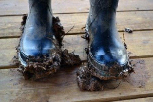 mud falling off boots