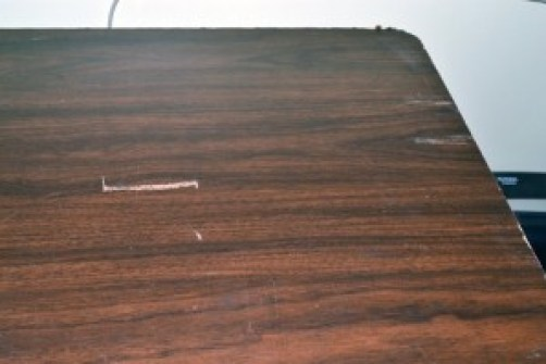 table scratches before