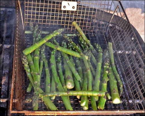 asparagus in grill basket