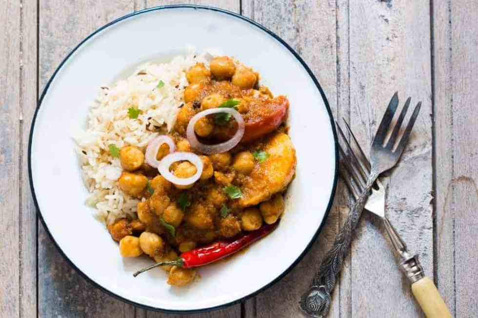 Chana Aloo or Chhole Aloo Masala (Spicy Chickpeas and Potato Curry)