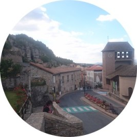 MyFrenchLife™ – MyFrenchLife.org - Roquefort cheese - blue cheese - stinky cheese - famous cheese - aveyron - Roquefort town
