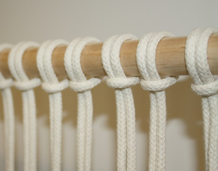 Macrame wall hanging for beginners my french twist for How to make a rope wall