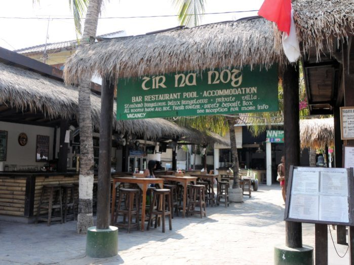irish bar Gili T