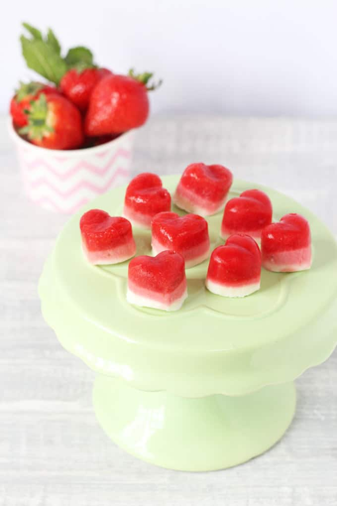 Strawberry Frozen Yogurt Bites. Delicious healthy ombre coloured snacks. Perfect for summer! My Fussy Eater Blog