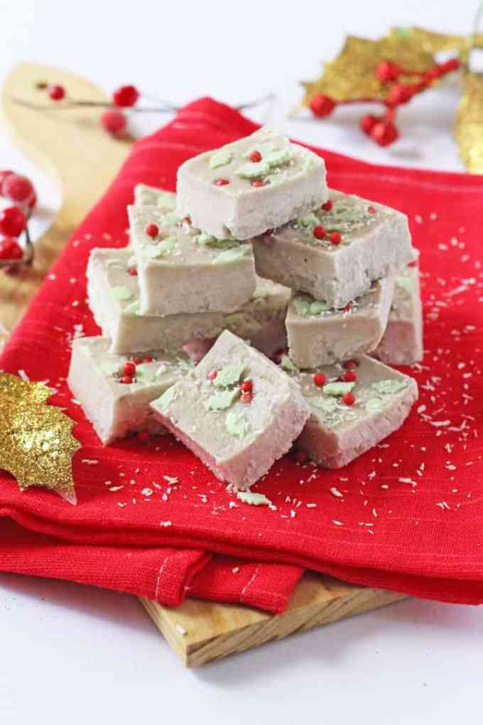 A delicious and healthy Christmas Fudge recipe made with just two natural ingredients; coconut butter and banana! | My Fussy Eater blog