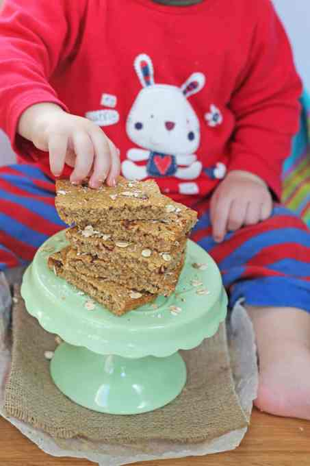 Sugar Free Flapjacks or Oat Bars perfect for baby led weaning | My Fussy Eater blog