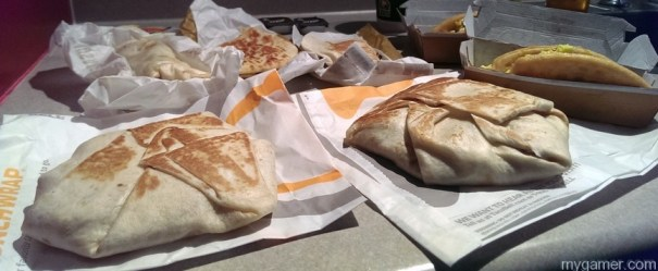 The crunch wrap is the sleeper hit here Gamer's Gullet – Taco Bell Breakfast Review Gamer's Gullet – Taco Bell Breakfast Review Unwrap All2