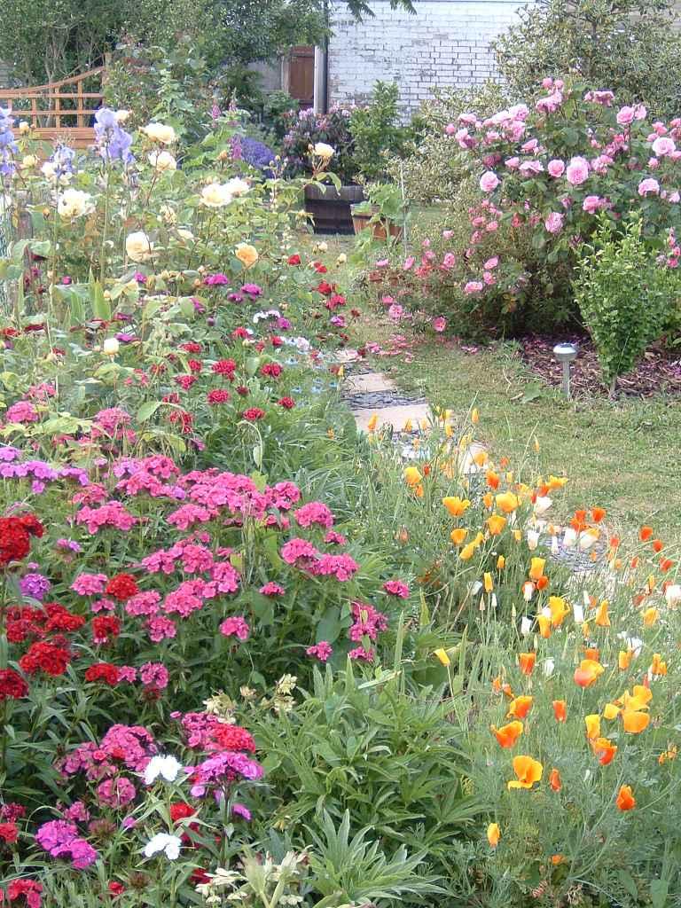 Decorating Your Flower Garden