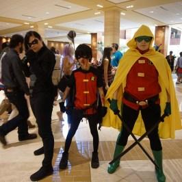 A group of Robins at A-Kon 27