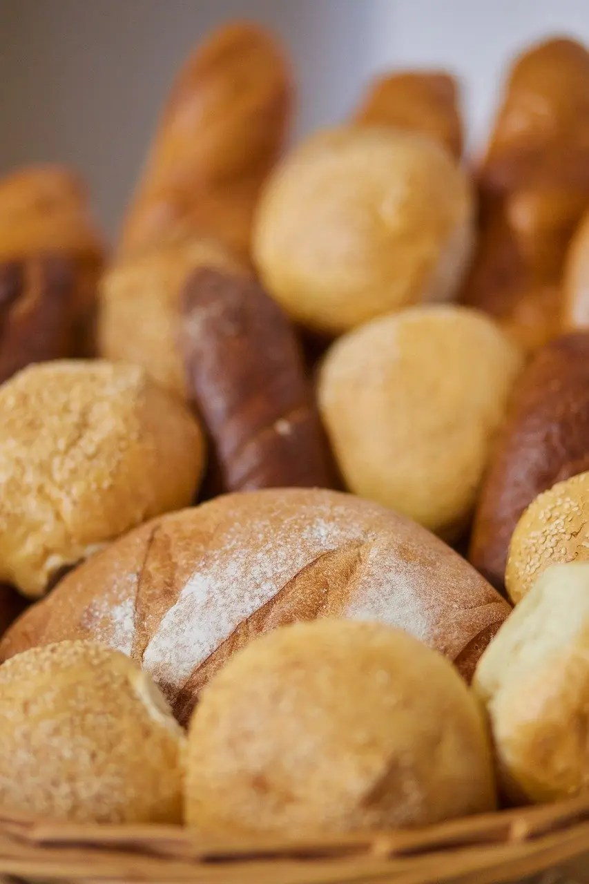 What are the characteristics of great bread?