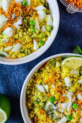 Khatta Meetha Indori Poha Recipe – Beaten Rice Fry Recipe