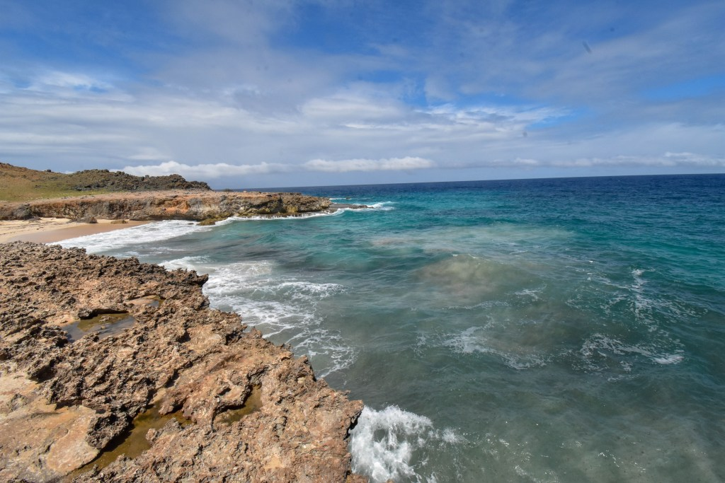 Dos Playa Aruba is a beautiful example of Aruba's diverse nature and landscape