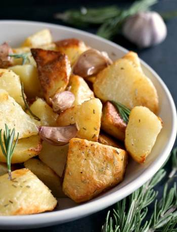 Oven roasted garlic rosemary potatoes