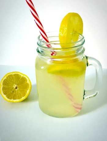 Hone-sweetened lemonade