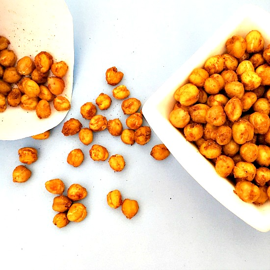 Crunchy roasted chickpeas with a chilli kick