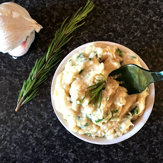Butter bean dip with garlic, rosemary and chives