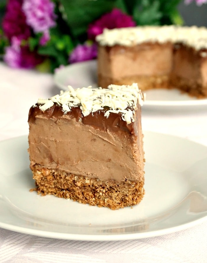 No-bake triple chocolate cheesecake with mascarpone