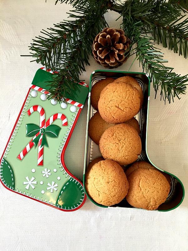 Gingernut cookies