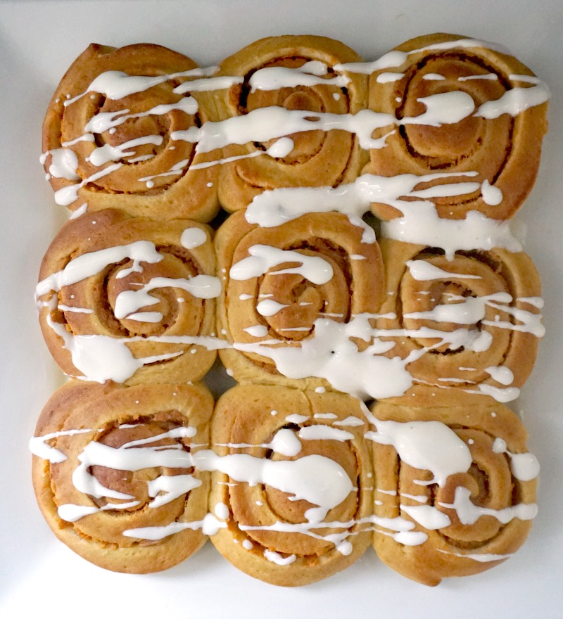 Fluffy pumpkin pie cinnamon rolls