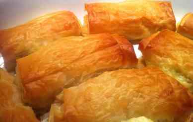Phyllo-dough Rolls with Feta cheese and Peppers-3