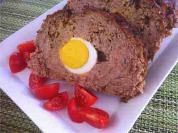 Greek Meatloaf stuffed with Eggs (Rolo Kimas)