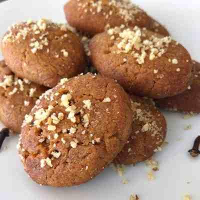 Melomakarona recipe (Greek Christmas Honey Cookies)
