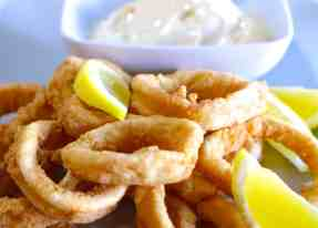 Crispy Fried Squid (Calamari) recipe (Kalamarakia Tiganita)-2