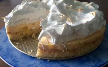Pina colada taart aangesneden