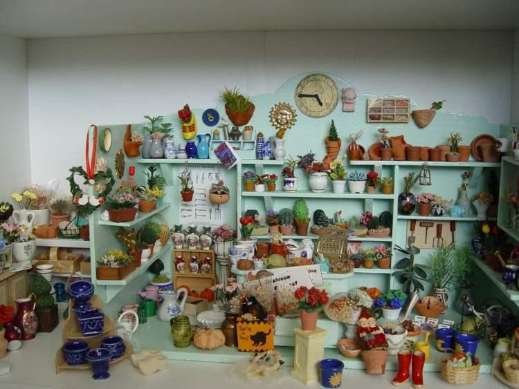 Nog meer mooie poppenhuizen: plantenwinkel
