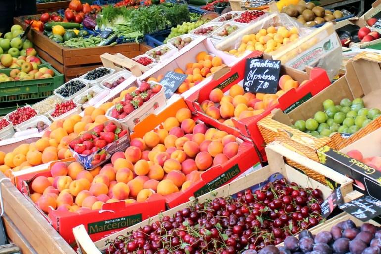Frisches Obst und Gemüse, Wurst, Käse, Blumen: Auf dem Viktualienmarkt gibt es fast alles