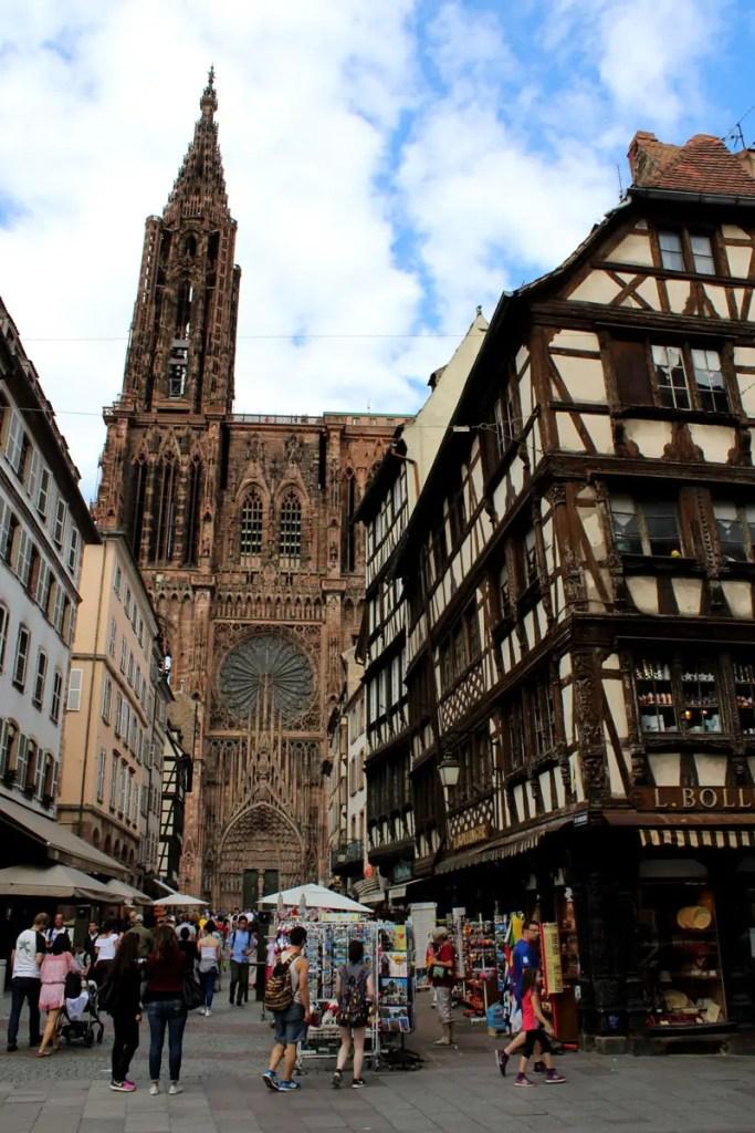 Das Straßburger Münster: Aus der Rue Mercière bietet sich der beste Blick auf die Westfassade