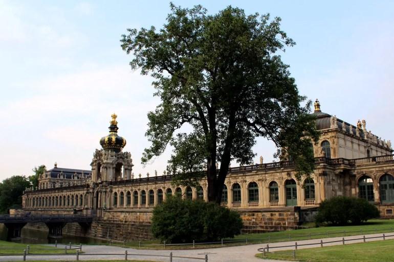 Durch das Kronentor führt einer der Eingänge in den Dresdner Zwinger