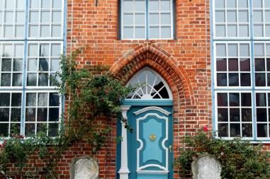 Das hübsche Portal eines Bürgerhauses