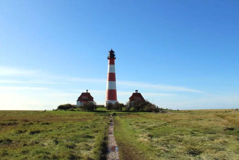 Wahrzeichen der Halbinsel Eiderstedt: der Westerhever Leuchtturm