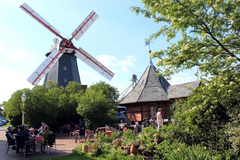 In Meyer's Windmühle in Bardowick wird seit 1813 Mehl gemahlen