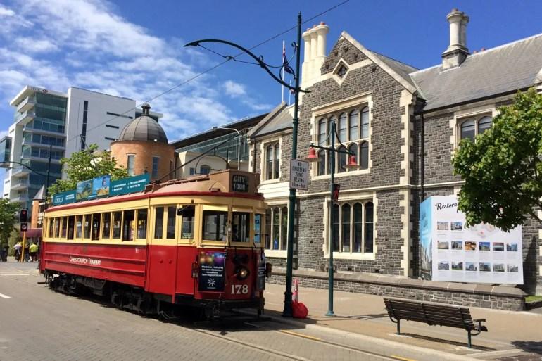 Die historische Straßenbahn ist eins der Wahrzeichen von Christchurch