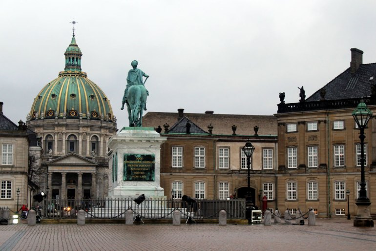 Vom Schloss Amalienborg bietet sich ein schöner Blick hinüber zur Marmorkirche