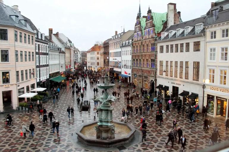Führt queer durch die Innenstadt: die Einkaufsstraße Strøget