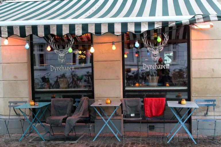 In Kopenhagens neuem In-Viertel Vesterbro findest du viele Bars, Cafés und Restaurants