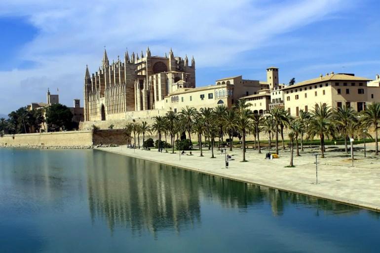Palmas Kathedrale La Seu ist das Wahrzeichen der Balearenmetropole
