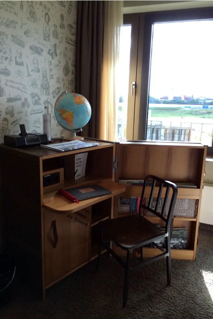 Hafenflair auch in der Koje: vom Logbuch bis zum Seemannskoffer