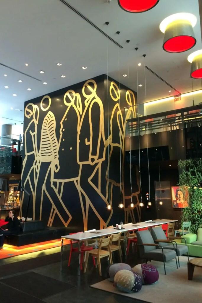 Blickfang: das coole Kunstwerk im New Yorker Wohnzimmer
